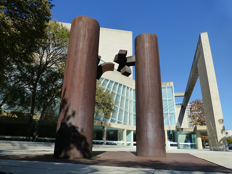 Eduardo Chillida (Spanish, 1924–2002), De música, Dallas XV, 1989. Forged Cor-Ten steel, left element 168 x 36 x 60 in. (426.7 x 91.4 x 152.4 cm), right element 180 x 36 x 60 in. (457.2 x 91.4 x 152.4 cm). Morton H. Meyerson Symphony Center, City of Dallas. 2018 Artists Rights Society (ARS), New York/VEGAP, Madrid. Photo by Amanda W. Dotseth.
